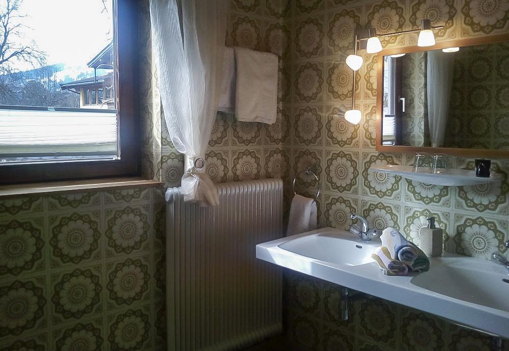 Haus-Rohregger-Badezimmer